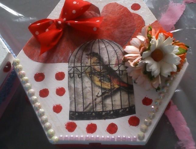 warsztaty decoupage'u Leszno Dwie Babeczki pudełko z ptaszkiem