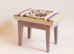 drewniany stołek farby kredowe