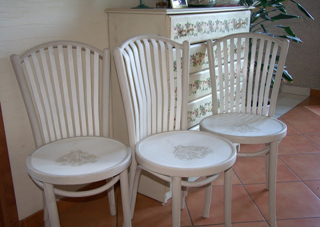 Jak naprawić i ozdobić krzesła gięte