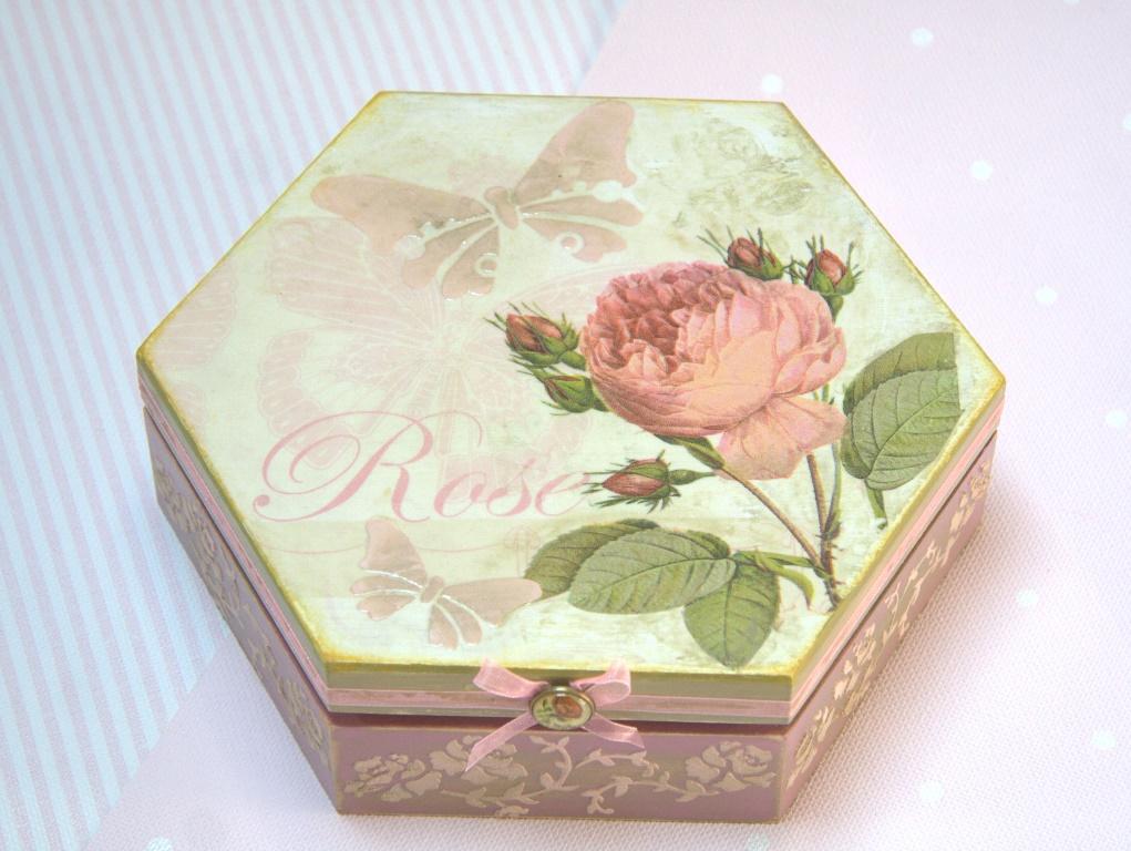 pudełko z różą warsztaty malowania farbami kredowymi