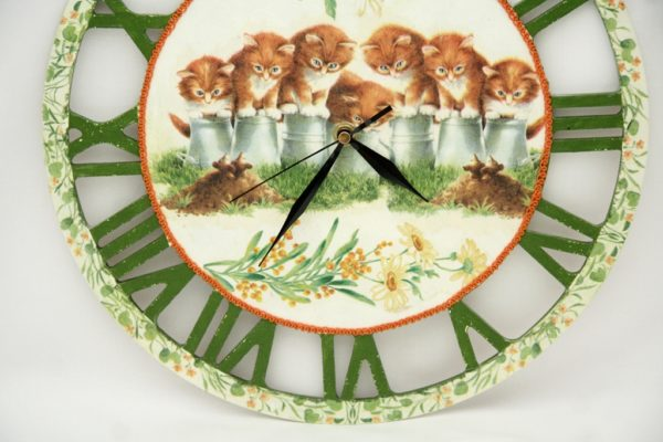 Zegar ścienny z kotami