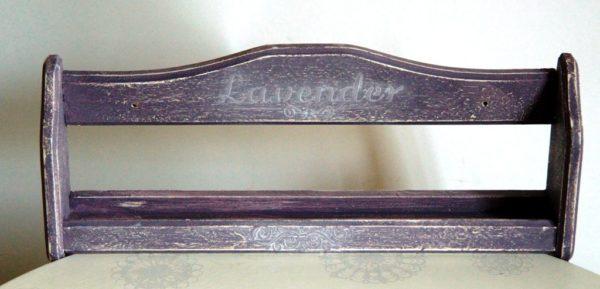 Drewniana półka na przyprawy