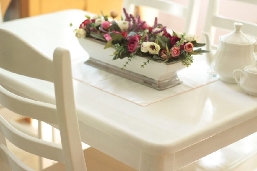Jak odnowić drewniany stół