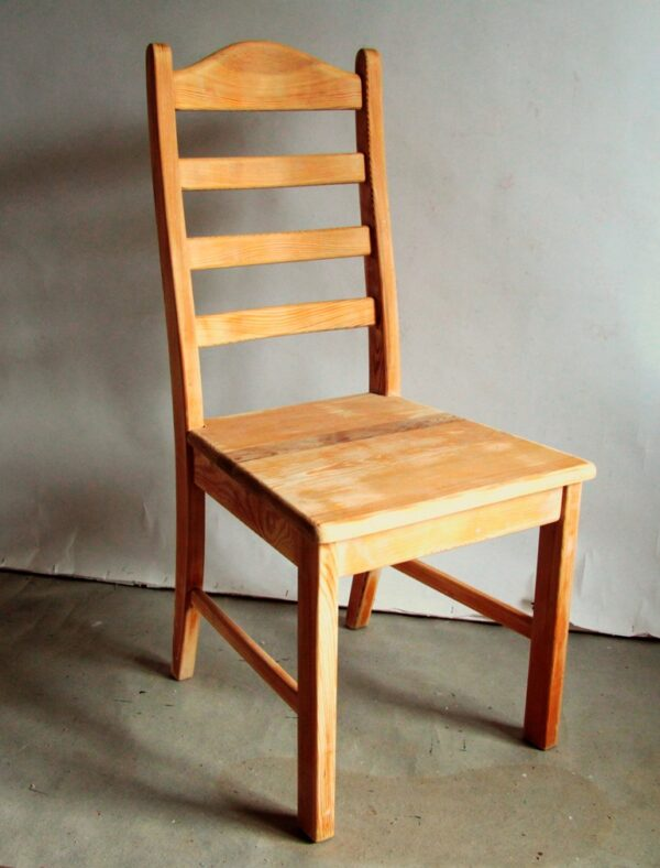 krzesło drewniane, farba kredowa Warszawa, odnawianie mebli Warszawa